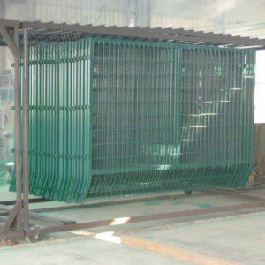 Panel de malla modular recubierta en poliester termo endurecido en caliente y la hace fuerte ante la corrosion y duradera