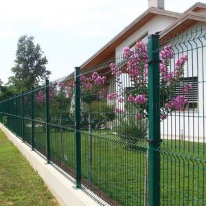 Reja de acero verde modular para cercas en viviendas y jardines residenciales