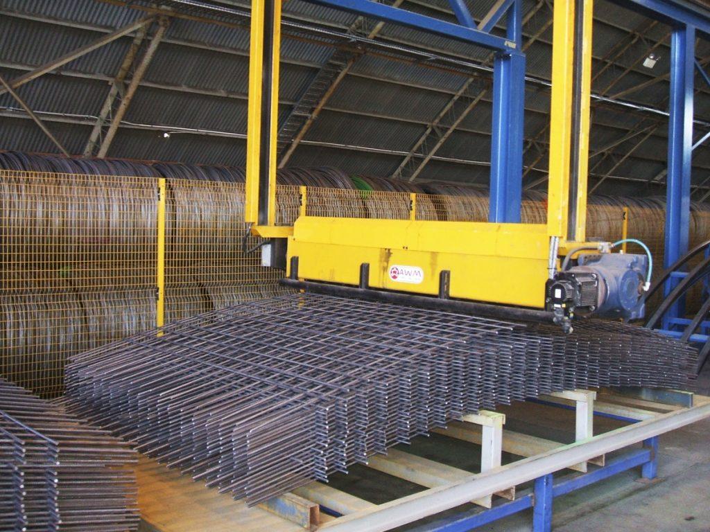 Fábrica en Yurecuaro, Michoacán, México, donde producimos nuestros productos y despachamos a todo México   fabricantes de mallas metálicas, reja de acero, concertina de seguridad