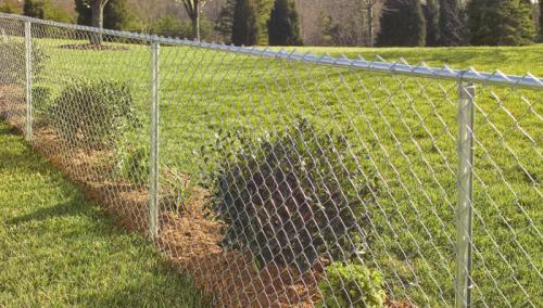 install-chain-link-fence-hero